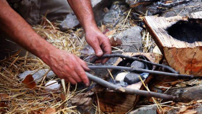 """5 Wilderness Survival """"Rules"""" That Are Actually Myths"""