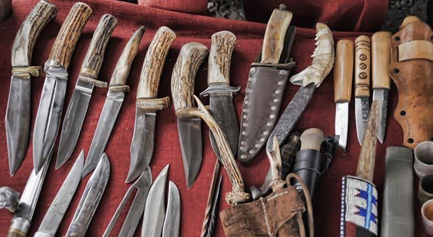 Survival Weapons: DIY Knives For Off-Grid Survival