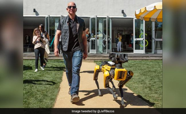 "Boston Dynamics Unveils ""Terrifying"" Robot That Can Run, Jump And Climb"