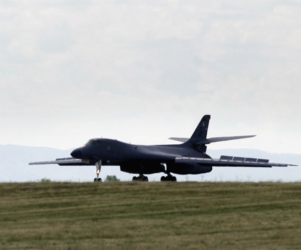 Air Force Prepares For Eventual Retirement of B-1, Transition to B-21